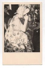 PHOTO Photographe photographié Autoportrait Appareil Caméra Snapshot 1959 Femme