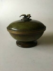 Lidded Bronze Bowl ornamented with a Bird