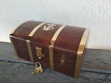 Superbe coffre a trésor du capitaine en bois et laiton neuf longueur 18,5cm