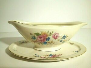 H&C Heinrich & Company  China Selb Bavaria Germany Gravy/Sauce Boat with Plate