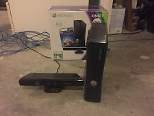 Microsoft Xbox 360 S 4 GB Glossy Plus Kinect and 14 games