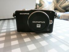 Olympus PEN E-PM1 12.3MP Digital Camera with 40-150mm lens