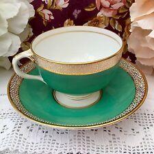 ART DECO EPOCA Coppa & Piattino Duo Set-Verde smeraldo e bianco con bordi dorati & TRIM