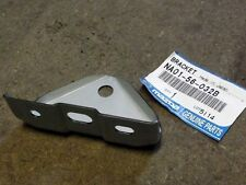 Battery tray retaining bracket, centre, genuine Mazda MX-5 mk1, Eunos MX5