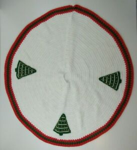 """Vintage Crochet Christmas Tree Skirt with Trees Red, Green, White 45"""""""