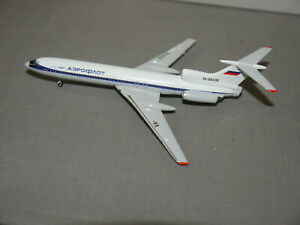 Tupolev TU-154B2 Aeroplane Model Platinum Series 1:400 IN Box (K17)