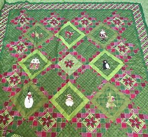 Holiday Time Christmas Full Size Green Quilted Bedspread Blanket Santa 85x85