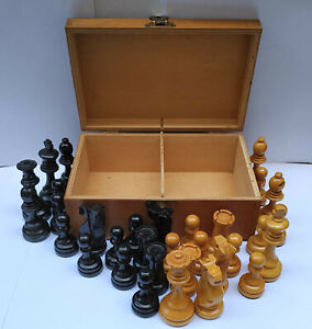 Vintage Complete Chess Set Wooden Pieces in Wooden Box