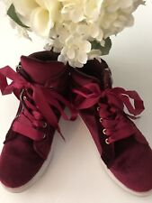 Youth Velour Hi Top Shoes. Size 3. Excellent Condition