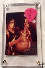 LOOK - Great Looking Ace Frehley tour pink guitar pick / Alive card #17 display!