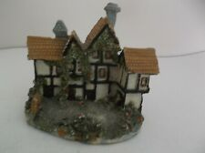 VINTAGE MINIATURE COTTAGE / HOUSE