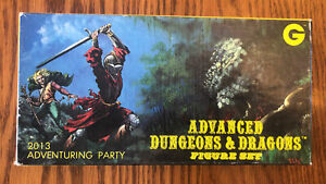 Grenadier ADVENTURING PARTY Boxed Set Vintage Dungeons & Dragons Miniature 8/10