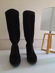 Knee High Boot with Heel