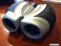 Binocular Fernglas 10x25 Klappfernglas, Soft Touch gummiert, Kompass / Tasche