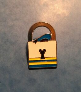 Disney Trading Pin 'Limited Release'. Character Donald Duck Lock Pin 2013.