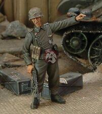 Royal Model 1/35 German Soldier Panzer-Pionier-Bataillon 124 Vienna 1945 227