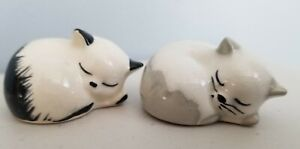 Szeiler 2 Sleeping Cats #7, white/black and white/grey. Made In England