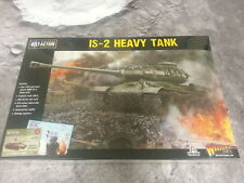 BOLT ACTION SOVIET IS-2 HEAVY TANK - PLASTIC - NEW AND SEALED