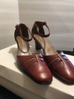 vintage Naturalizer women's Shoes. Size 5.5 Leather Brown