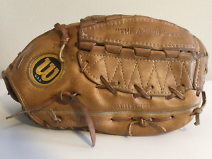 WILSON A2000XLC MADE IN USA USED GLOVE IN GREAT CONDITION