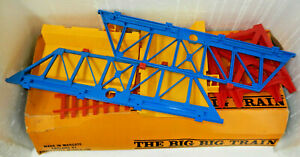 Triang Big Big Train O Scale Signal Gantry Bridge