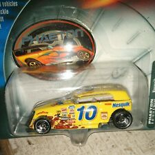 Hot Wheels 2002 Racing #10 Nesquick Scott Riggs PHAETON Series 8/10 54787 HTF