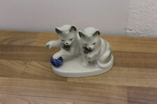 Porzellan-mit Katzen-Motiv