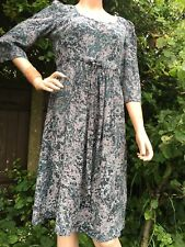 Stunning Marilyn Moore 100% Silk Taupe Vintage Print Dress Size 12