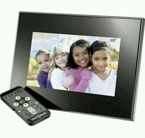 INSIGNA 7-INCH WIDESCREEN DIGITAL PICTURE FRAME-BLACK