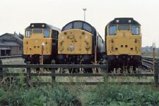 PHOTO  DIESEL LOCOMOTIVES LAYOVER DURING THE WEEKEND AT MARCH TRACTION MAINTENAN