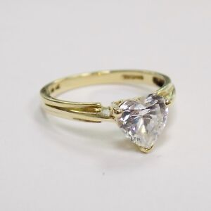 14ct Yellow Gold CZ Heart Ring Size M 2.4g
