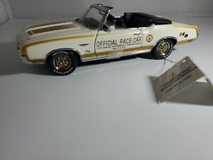 RARE 1:24 FRANKLIN MINT 1972 HURST/ OLDSMOBILE CONVERTIBLE INDY 500 PACE CAR