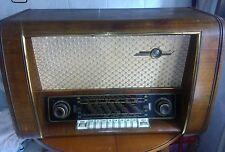 Radio Antigua Loewe Opta Alemán Funciona bien ,tiene FM