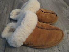womens UGG  slippers, sz 5