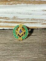 "Masonic ""G"" Gold Tone Hat or Lapel Pin with Green Enamel Wreath Border- Rare"