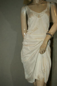 Glanz Nylon Unterkleid ~~TRIUMPH Fleur Boddie ~~ weiß schimmernd Spitze Gr. 46