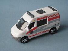 Matchbox Renault Master Ambulance Medic Rescate Cuerpo Blanco Juguete Coche Modelo En Caja