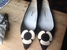 lk bennett Black Felt Shoes With White Flower Size 38 Size 5