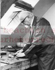 Hans PELS LEUSDEN - Portrait: Werner ECKELT - handschriftl. tituliert