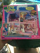 Vintage 1994 Meritus Playset ~ Cozy Cottage Portable Dollhouse Dolls