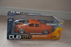 JADA DUB CITY Die-Cast Model Car 1:18 Scale - Dodge - Ram 1500 including tonneau