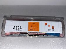 N Scale - Roundhouse (8876) Pacific Fruit Express Reefer #457077 N404