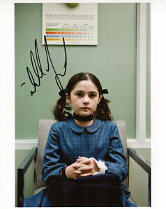 Isabelle Fuhrman Orphan autographed photo signed 8x10 #7 Esther