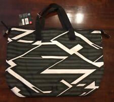 Under Armour Tote Gym Bag Casual Sports Handbag Black/White NWT UA On The Run