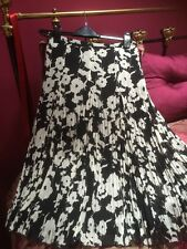 Basler Crinkle Pleated Skirt Size 10 Immaculate