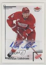 2012-13 Fleer Retro Nicklas Lidstrom #70 Auto HOF