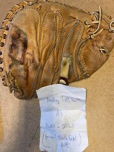 NAMED MICKEY TETTLETON  OAKLAND ATHLETICS A'S PLAYER WORN BASEBALL MITT GLOVE
