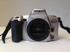 MINOLTA DYNAX 404SI 35MM FILM SLR CAMERA BODY~SHOOTING MODES~BUILT IN FLASH 8M12