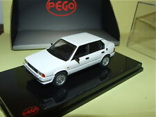 ALFA ROMEO 33 1 SERIE STRADALE 1983 Blanc PEGO