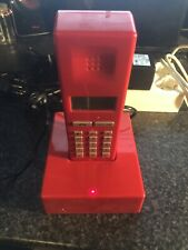 Primafoon-patefoon-phone-Intel-old phone-red-Jan Des Bouvrie (DECT) + Cables
